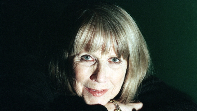 Julie Harris, Broadway Star, Dies at 87