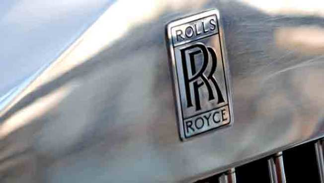 Rolls-Royce Tailors Car to Young, Super-Rich