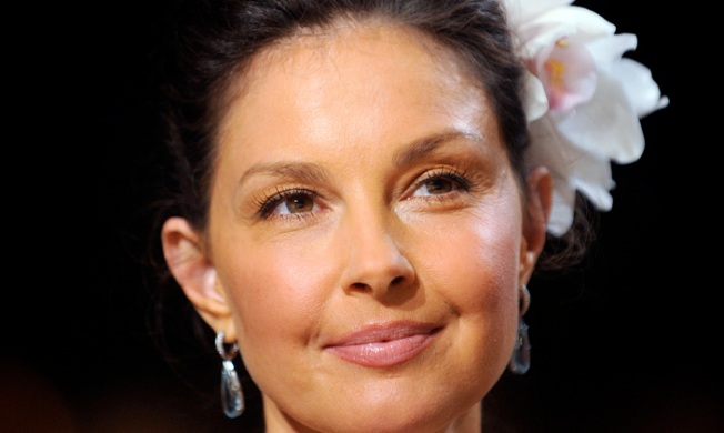 "Ashley Judd: ""Hatred of Women"" Spurred Puffy-Faced Criticism"