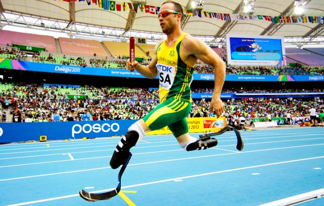 Double Amputee Oscar Pistorius Set to Run in Olympics for South Africa