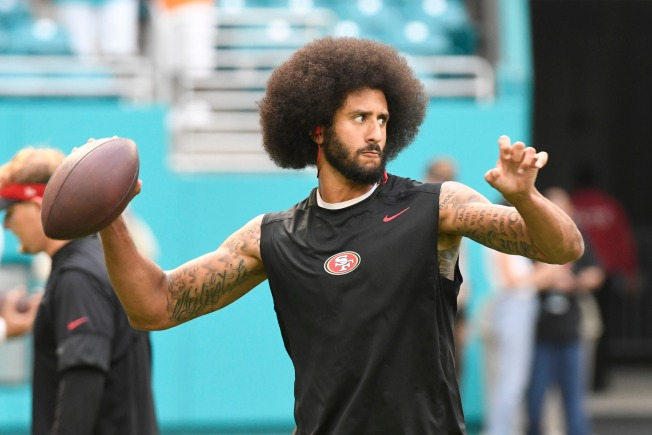 Miami Crowd Boos Kaepernick Over Fidel Castro Comments