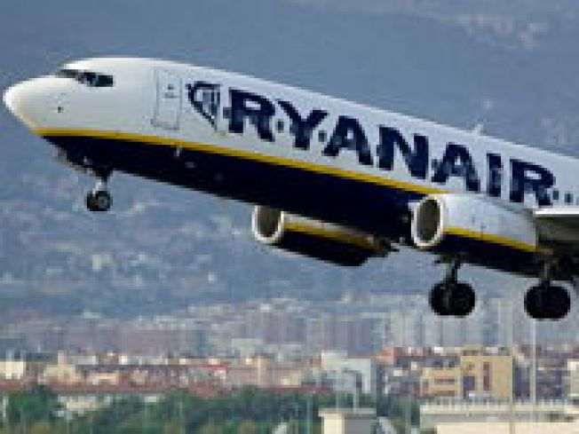 Ryanair Boss Proposes Porn on Planes