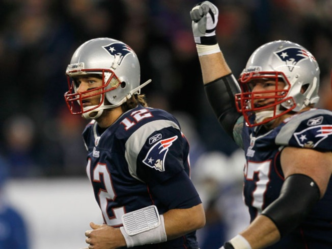 Brady Ties NFL  Consecutive Home Wins Record