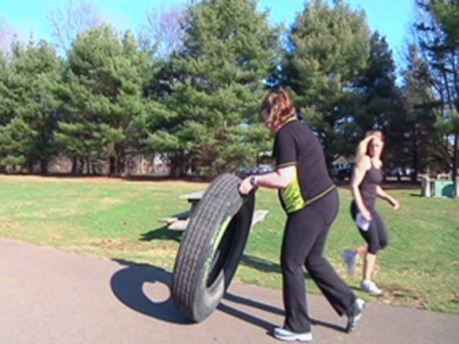 Biggest Loser Contestants Workout to Shed Pounds