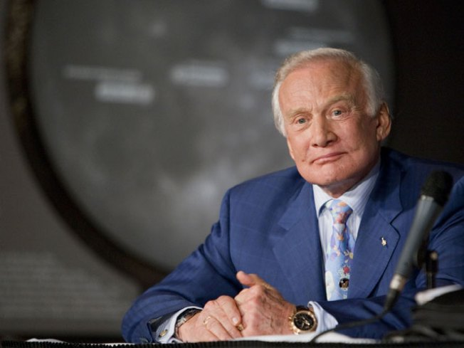 "Buzz Aldrin Gears up For ""Dancing"""