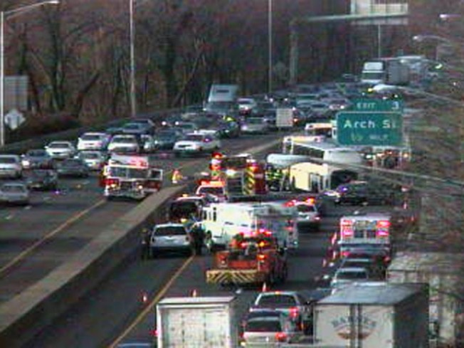 Injuries Reported in I-95 Bus, Car Crash