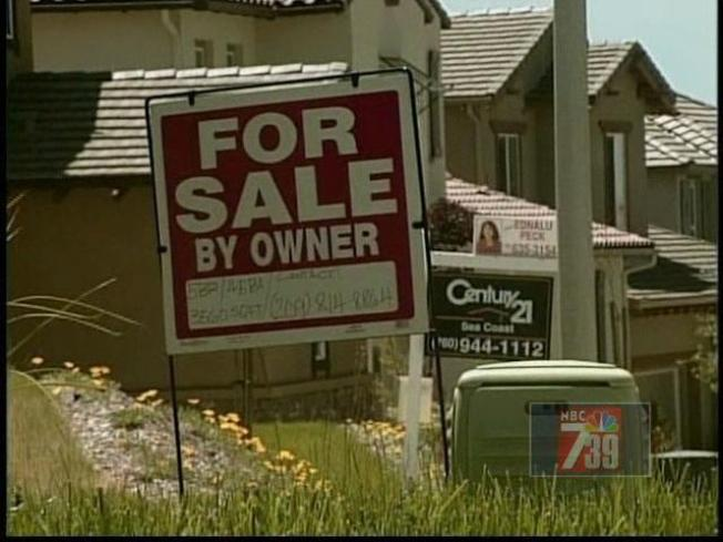 August Home Sales Drop to Lowest Levels in 20 Years