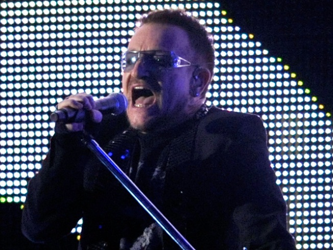 U2 Singer Bono Returns To The Stage After Back Rehabilitation