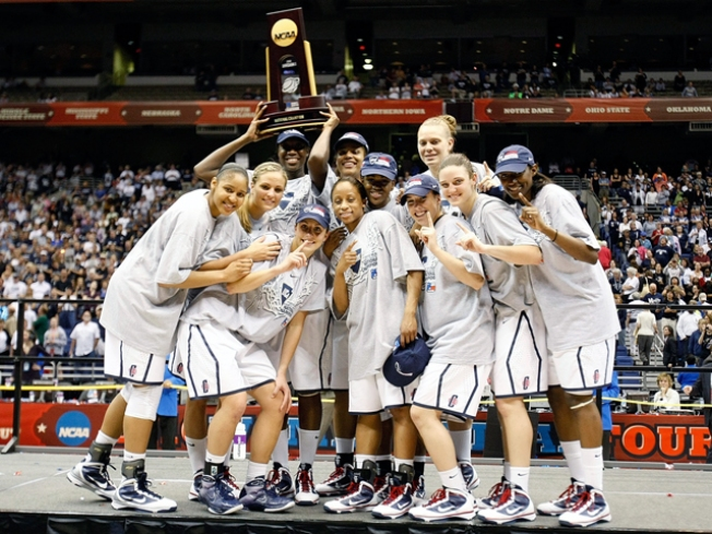 Fans Take UConn Title in Stride
