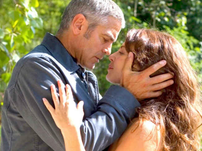 Clooney 'Wasn't That Experienced' in Bedroom Scenes: Costar