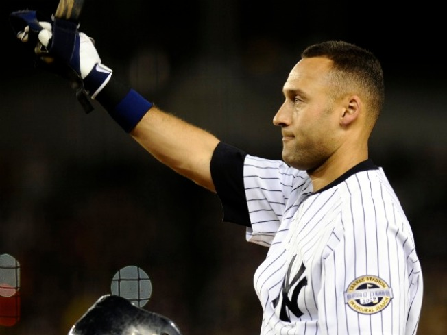 Jeter Stays in Pinstripes for $51 Million