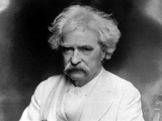 Cake and a Séance Commemorate Mark Twain's Death