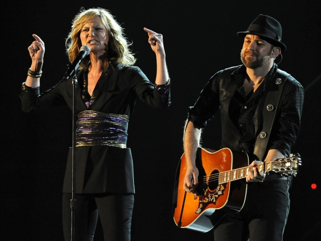 Sugarland Cancels Dates at Mohegan Sun