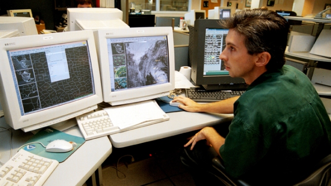 Senate Bill Aims to Centralize National Weather Service Forecasting