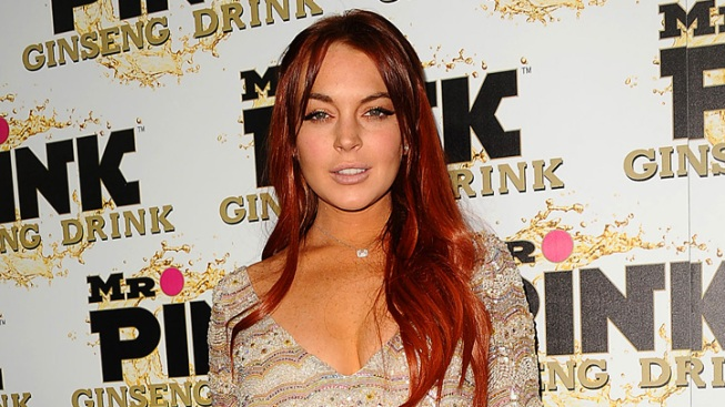 "Storm Watch: Lindsay Lohan Renames Hurricane Sandy ""Sassy""; Snooki, Kim Kardashian and More Tweet"