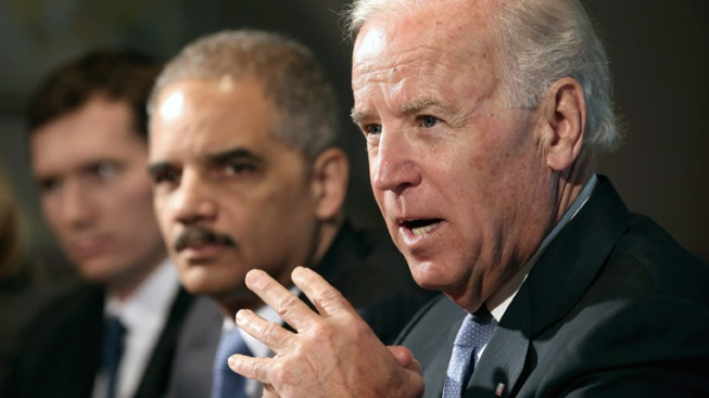 Blumenthal, Murphy Ask Biden for Stricter Gun Restrictions