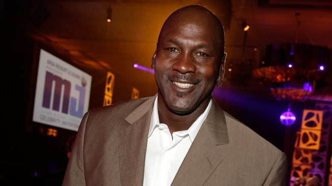 "Basketball Legend Michael Jordan Admits to Racism in New Biography: ""I Was Against All White People"""