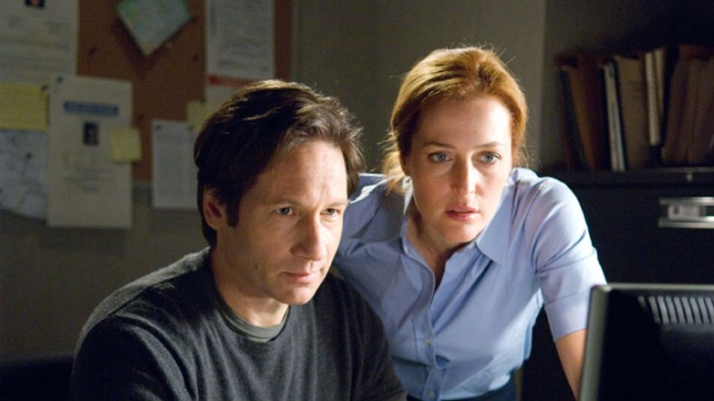 'The X-Files' Returns: Everything Old Is New Again, Including Conspiracies