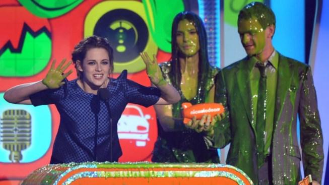 Depp, Stewart Win at Slimy Kids Choice Awards