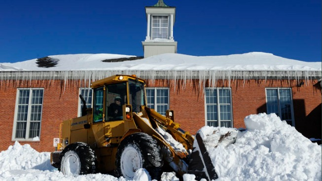 National Guard Helps Clear Streets in New Haven