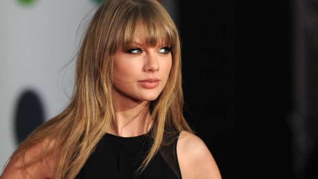 Taylor Swift, Kacey Musgraves Lead CMA Nominees