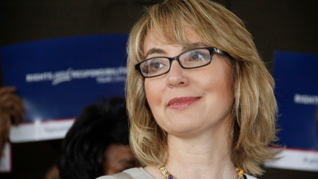 Giffords, Husband Remember Newtown Victims