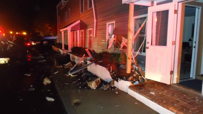 Minivan Crashes Into Norwalk Apartment Building