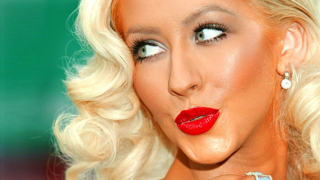 "Christina Aguilera Open To Singing At The Super Bowl: ""I'm Up For Any Challenge"""