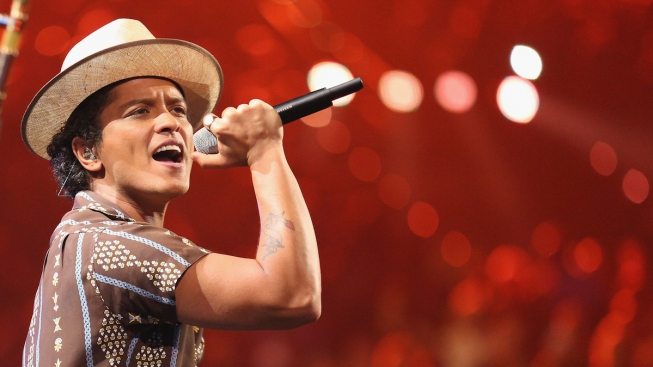 Bruno Mars Announces $1 Million Donation to Victims of Flint Water Crisis