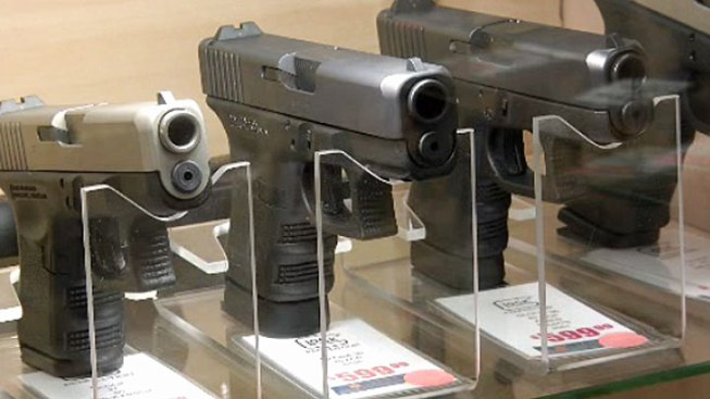 Judge Strikes Down Chicago Gun Sales Ban