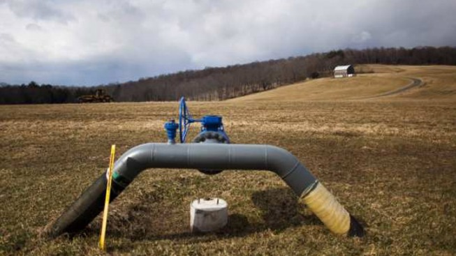 Malloy Signs 2 Landmark Energy Bills Into Law