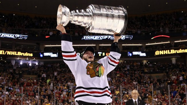 Two Goals in 17 Seconds Give Blackhawks the Stanley Cup