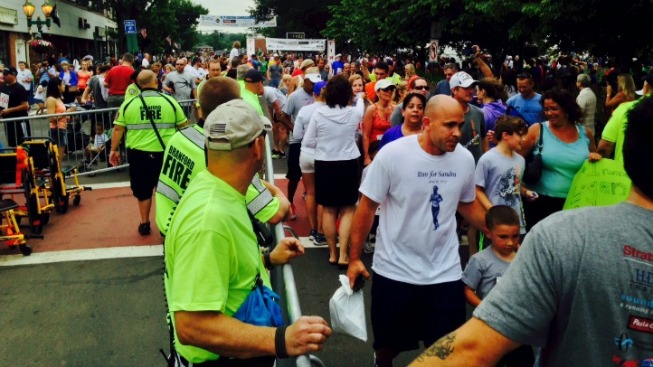 Thousands Run in Father's Day Road Race