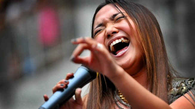 """Glee"" Singer Charice Demands Justice in Dad's Murder"