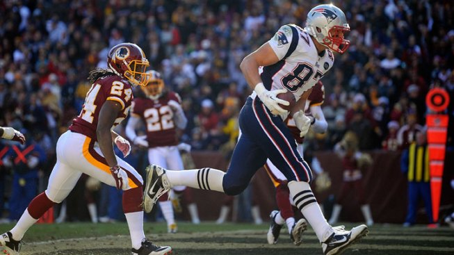 Brady, Patriots Outlast Redskins