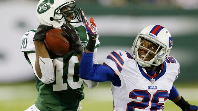 Jets Overcome Record-Setting Penalties in Win Over Bills