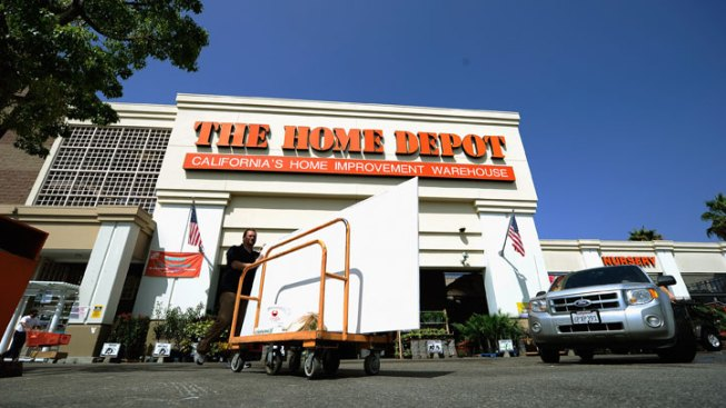 Home Depot to Hire 900 Locally
