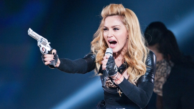 Madonna Booed After 45-minute Concert in Paris