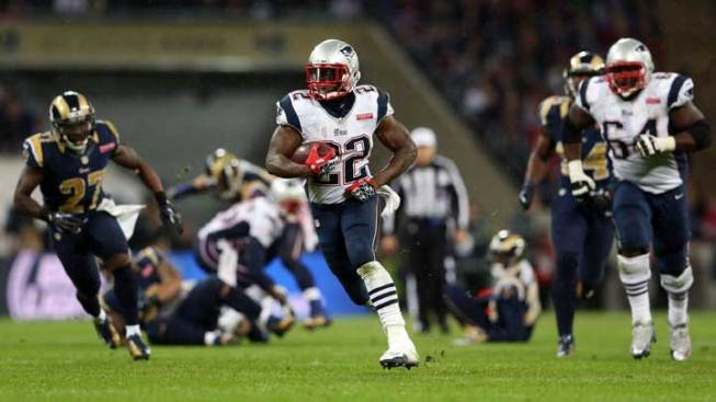 Pats Roll in London, 45-7