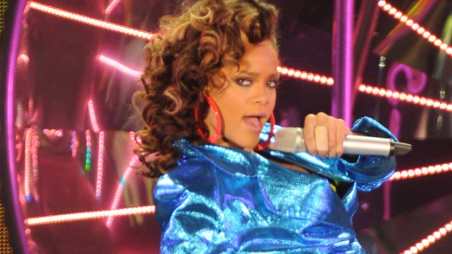 Rihanna Tweets Coldplay Grammy Duet