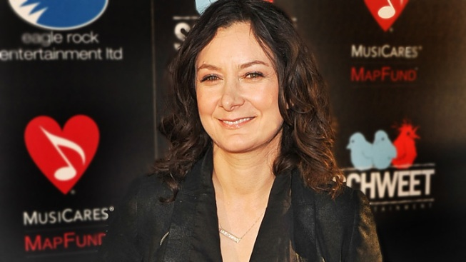 Sara Gilbert Engaged to Musician Linda Perry