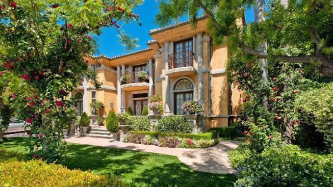 Charlie Sheen Puts House Up for $7.2M