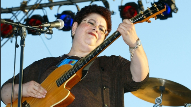 "Phoebe Snow, ""Poetry Man"" Singer, Dead at 58"