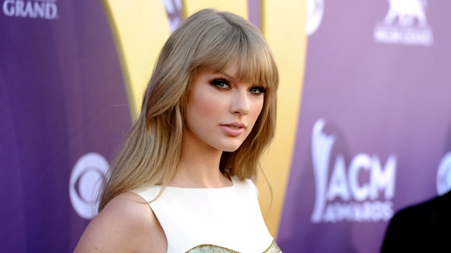 "Taylor Swift on Her Love Life: John Mayer's ""Presumptuous,"" Conor Kennedy's Off-Limits"