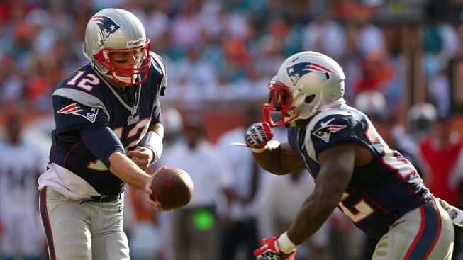 Pats Beats Dolphins, Win AFC East