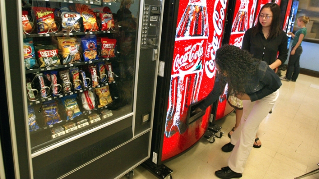 Woman Sets Malfunctioning Vending Machine on Fire
