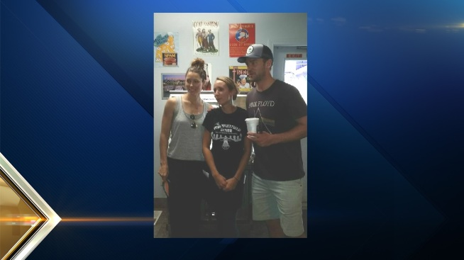 Justin Timberlake, Jessica Biel Stop by NH Diner
