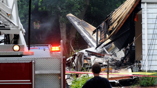 Witness: Plane Was Upside Down Before East Haven Crash