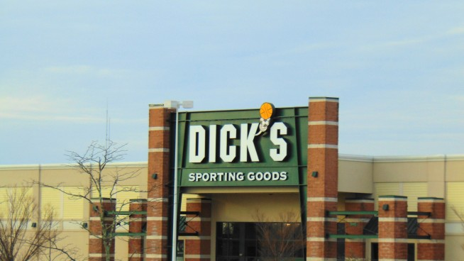Gunman Barricades Himself Inside Dick's Sporting Goods