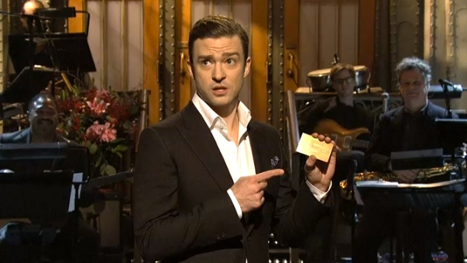 "Timberlake Sings ""Candle in the Wind"" for Chavez"